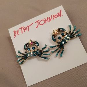 NWT Betsey Johnson blue crab earrings